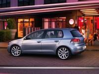Volkswagen Golf сохранил лидерство